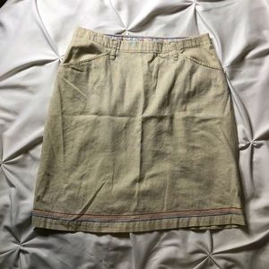 Khaki knee-length skirt | Size 10